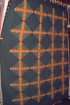 Chains of flying geese . Two Color Quilts, Blue Quilts, Antique Quilts, Vintage Quilts, Pineapple Quilt Block, Orange Quilt, Flying Geese Quilt, Geometric Quilt, Civil War Quilts