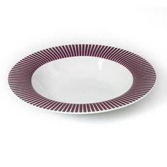 """Lot de 6 Assiettes Creuses """"Baya"""" 22cm Prune - Paris Prix - Informations Techniques :  Dimensions : D. 22 x H. 3,5 cm MatÈriau :†Porcelaine† Couleur : Prune … Voir la présentation"""