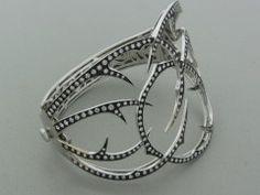 STEPHEN WEBSTER Wild Rose Thorn Gold Diamond Bangle Bracelet  England  21th Century  18K WHITE GOLD  8500