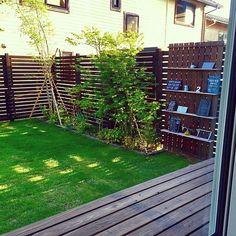 女性で、4LDKのナチュラル/庭/芝生/枕木花壇DIY/紅葉/ウッドフェンスDIY…などについてのインテリア実例を紹介。「和室からのこの眺めがお気に入りデス♡」(この写真は 2016-07-06 18:28:09 に共有されました)