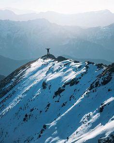 Instagram Photo Contest January 2018 Entry 📸 @puruzphotography ・・・ Conquering the Himalayas. Kedarkantha Peak, Uttrakhand. . . . . #kedarkanthatrek #kedarkanthapeak #Wintertrek #Snow #peaks #trekkinginIndia #snowland #mountainscape #trekking #hikingadventures #throwbackthursday