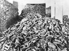 Schuhe ermordeter Häftlinge, © IMAGNO/Ullstein