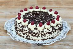 History of Black Forest Gateau Cakes To Make, How To Make Cake, Food To Make, Menu Desserts, Old Fashioned Cake Recipe, Bakery Menu, Modern Cakes, Chocolate Shavings, Love Eat