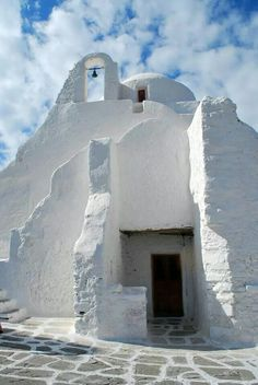 The church of Panagia Panaportiana in Mykonos..... The most photographed  church!