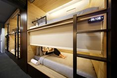 Modern Living Spaces // POD Hotel Singapore by Formwerkz Architects - sleeping pod. Plano Hotel, Sleeping Pods, Capsule Hotel, Hotel Concept, Bunk Rooms, Student House, Small Spaces, House Design, Singapore Singapore