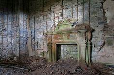 Buchanan Castle Fireplace (by Bora Horza) Scotland Castles, Scottish Castles, Abandoned Castles, Abandoned Places, Haunted Places, Abandoned Mansions, Old Buildings, Abandoned Buildings, Buchanan Castle