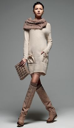 "TWIN-SET Simona Barbieri: ""Sweet Luxury"": knitted dress, clutch bag with gilded boules and biker boot high suede leg."
