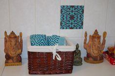 #Fliesenaufkleber mit Ornamenten in Braun-Blau von creatisto Bad, Picnic, Basket, Small Baths, Mosaics, Homemade, Projects, Creative, Nice Asses