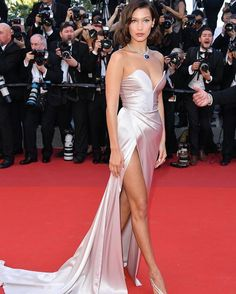 Cannes Film Festival has begun! See the best red carpet looks from last night's opening of our favourite film festival on the Côte d'Azur via link in bio  #Cannes  via VOGUE HOLLAND MAGAZINE OFFICIAL INSTAGRAM - Fashion Campaigns  Haute Couture  Advertising  Editorial Photography  Magazine Cover Designs  Supermodels  Runway Models
