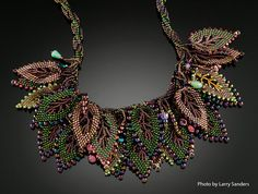 Beadweaving: Spiral Necklace with Russian Leaves von TheHighBead
