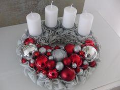 Türkranz Tisch Adventskranz Designer Kranz Deko Kugeln Filz grau rot silber 30 | eBay