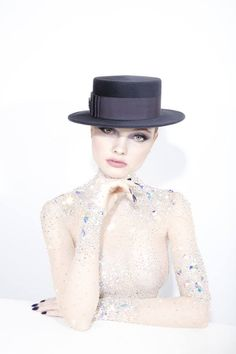 Galleries of haute couture and ready to wear hat collections and handbags. Philip Treacy, Funky Hats, Love Hat, Boater, Aw17, Hats For Women, Ready To Wear, Fashion Photography, Melbourne Cup