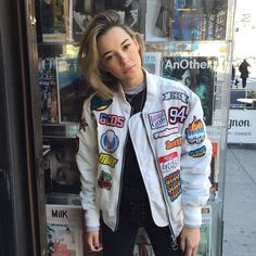 99 Ideas Outfits Fashion Sytle by Sarah Snyder 90s Fashion, Fashion Outfits, Womens Fashion, Fashion Styles, Street Fashion, Sarah Synder, Kylie Jenner Look, Sweater Jacket, Pu Jacket