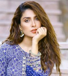 Ayeza Khan, Bridal Dress Design, Beauty Queens, Kurti, Bridal Dresses, Designer Dresses, Actresses, Blouse, Life