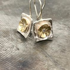 Hammered silver Earrings, Flower earrings, Square Earrings Sterling Silver Square Drop Hammered Earrings with CZ stone - special geometric silver and gold flower Earrings Length: 20mm Width: 10 mm Here you can find more of our Handcrafted Pearl Jewellery