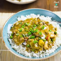 We often get asked what people can do with the Mayflower Chinese Curry, so we came up with this Slimming World Chinese Chicken Curry in the slow cooker!