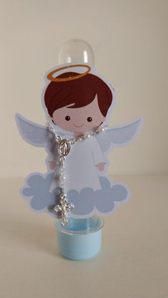 recuerdos modernos y originales para bautizo Baptism Invitation For Boys, Baptism Banner, Baby Baptism, Baptism Party, Christening, Boy Baptism Centerpieces, First Communion Decorations, Diy And Crafts, Crafts For Kids