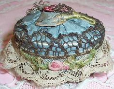 ANTIQUE/French Textile Face Powder Box/Compact...Gold Metallic Lace & Silk RIBBON ROSES w/ Puff
