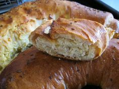 Placinta cu branza Romanian Food, Cata, Bon Appetit, Baked Potato, Pie, Favorite Recipes, Yummy Food, Bread, Baking