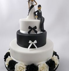 Bride & Groom Rose Wedding Cake - learn how to make it with a step-by-step video guide