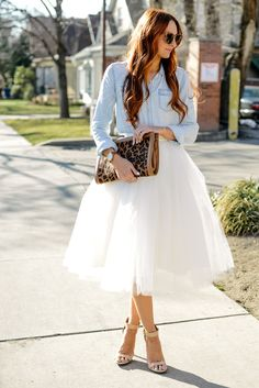 Today I'm styling a beautiful white tulle skirt by London Grey with a great chambray shirt and neutral heels- taking ballerina style in to real life! Style Outfits, Skirt Outfits, Fashion Outfits, Style Fashion, Fashion Trends, Fashion Tips, Fashion Star, Womens Fashion, Outfits