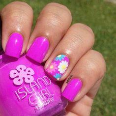Pretty spring purple nail art, floral design