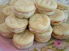 Italian Wedding Cookies - My grandmother used to make these, they melt in your mouth. Dye frosting red and green for the holidays. - I wonder if this recipe would work well with the pie crust cookie idea Cookie Desserts, Just Desserts, Cookie Recipes, Delicious Desserts, Dessert Recipes, Yummy Food, Italian Desserts, Cookie Ideas, Dessert Ideas