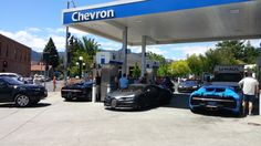 4 Bugatti Chirons