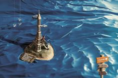 Mundi: Paris Go beyond your world. Advertising Agency: Heads, Sao Paulo, Brazil