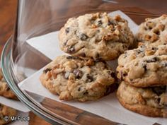 You don't have to go on vacation to get to sample these Famous Hotel Chocolate Chip Cookies! Get the easy recipe from Mr. Food right here and enjoy your stay :)