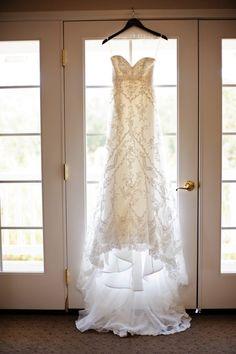 sweetheart style lace wedding dress #weddingdress #lace #weddingchicks http://www.weddingchicks.com/2014/01/22/classy-country-wedding/