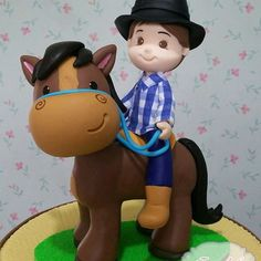 Cake Topper Tutorial, Horse Cake, Cowboy Horse, Pasta Flexible, Birthday Cake Toppers, Origami, Diy Crafts, Horses, Party