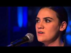 ▶ Nadine Shah Cry Me A River BBC Review Show 2013 - YouTube