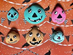 I painted my extra shells from the shore this summer with primitive Halloween faces! Perfect project to use up shells and create a Seaside Halloween! Meet the pumpkin shell gang! Xo Lisa Kettell