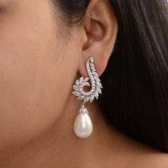 White Silver Swarovski In Gms Hand Jewelry, Fashion Jewelry Necklaces, Pearl Jewelry, Fashion Earrings, Bridal Jewelry, Jewelery, Diamond Jhumkas, Diamond Earing, Diamond Pendant