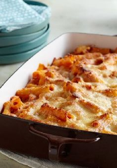 Creamy Baked Ziti – Creamy is the key word here, as sour cream and cream cheese take a tomato, marinara and ziti casserole to a whole new level of pasta deliciousness.