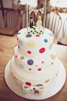 Isobel & Dave's Vintage-Inspired Budget Wedding