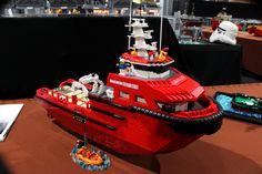 ReBrick at LEGO World 2014 the Netherlands, Lowlug builders Lego Boat, Lego Creator Sets, Lego Pictures, Lego Ship, Lego Vehicles, Lego Military, Cool Lego Creations, Lego Worlds, Tug Boats