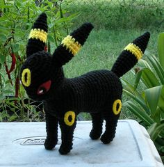 Second view of Umbreon Plush. Free Crochet pattern now at my blog: Umbreon Crochet Pattern