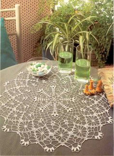 A light and lacy centerpiece for the table . Free pattern and diagrams! This Pin was discovered by Car Mix of crochet & tatting? Diy Crafts Crochet, Crochet Art, Crochet Round, Thread Crochet, Love Crochet, Beautiful Crochet, Crochet Doily Diagram, Crochet Lace Edging, Crochet Doily Patterns