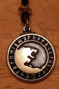 ODIN Wolves Necklace Pendant - Norse Viking Yin Yang Amulet - Freki Geri Wolf Warrior Talisman