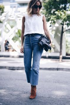White top and jeans, perfect for spring and summer