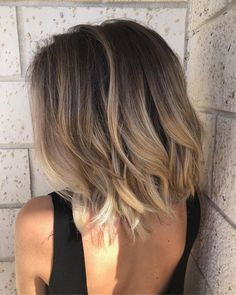 Shoulder Length Hair Color Best Picture For balayage hair blonde gray For Your Taste Brown Blonde Hair, Wavy Hair, Balayage On Short Hair, Balayage Lob, Blonde Bobs, Short Hombre Hair, Brunette Hair, Brown Ombre Short Hair, Blonde Balayage On Brown Hair