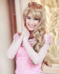 Her eyes are stunning! Disney Cosplay, Disney Costumes, Disney Poses, Princess Photo, Princess Style, Disneyland Princess, Princess Pictures, Disney Face Characters, Disney Aesthetic