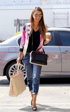 Jessica Alba, divine it-girl, même dans la rue !