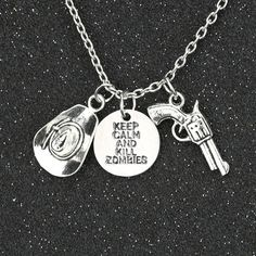 The Walking Dead Halskette Vintage Retro Halten Sie Ruhe Und Töten Zombies Hut Pistole Antiken Silbernen Anhänger Film Großhandel