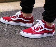 - VANS OLD SKOOL CLASSIC - RED / WHITE #vans #vansoldskool #classic #red #white