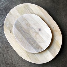 Image of white mango wood platter - small Paper Houses, Made Of Wood, Simple Pleasures, Contemporary Design, Objects, House Design, Earth 2, Cutting Board