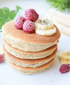 Healthy snacks on the go for kids free online printable Easy Snacks, Yummy Snacks, Healthy Snacks, Oatmeal Pancakes, Fluffy Pancakes, Muffins Sains, New Recipes, Vegan Recipes, Vegan Food
