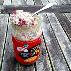 This nutty raspberry overnight in a almost empty jar is PERFECTION! is on the today.❤️ Have a great morning friends! Yummy Oatmeal, Weekend Workout, Overnight Oatmeal, Oatmeal Recipes, Meatless Monday, Recipe Using, Eating Well, Raspberry, Healthy Eating